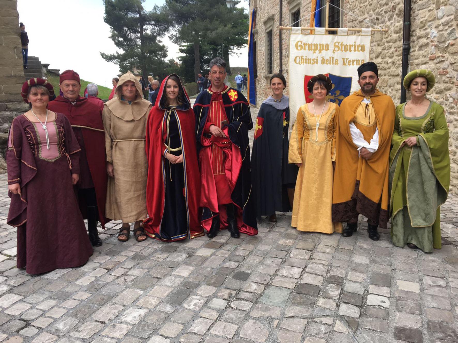Il Gruppo Storico a San Leo (Rimini) per commemorare il passaggio di San Francesco d'Assisi